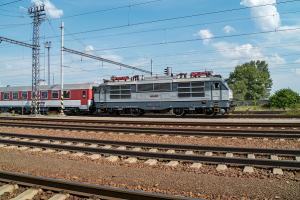 Gorila 350.001 na mimoriadnom vlaku s Albatrosom