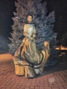 Alžbeta Bátoriová na námestí v Čachticiach